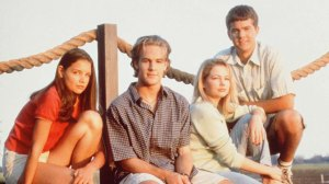 gty_dawsons_creek_cast_lpl_120716_wmain